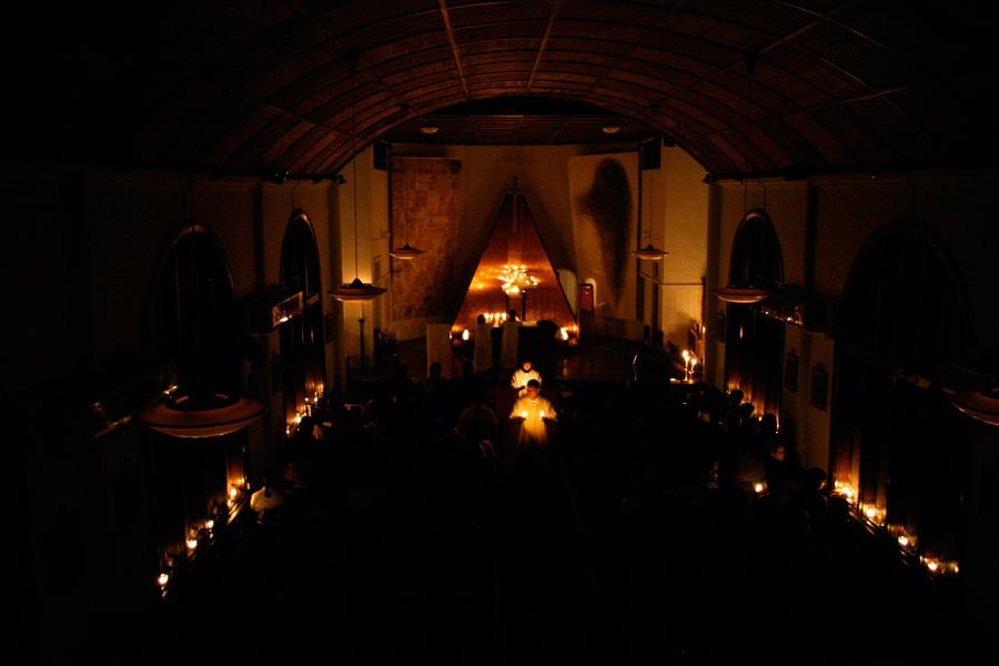 13_Minha LEE_60+1 Eagle's wing_Setagaya Catholic Church_christmas eve mass view2_2008