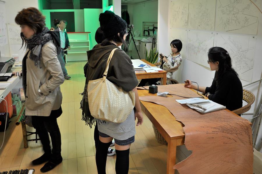 19_Choja-machi DEKITATE Kobo_Upcoming_26 days work in progress_Aichi Triennale_2010